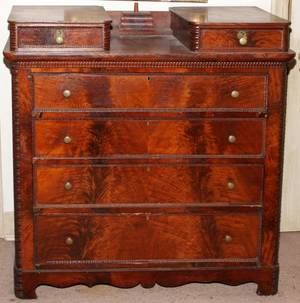 AMERICAN MAHOGANY CHEST OF DRAWERS 19TH C