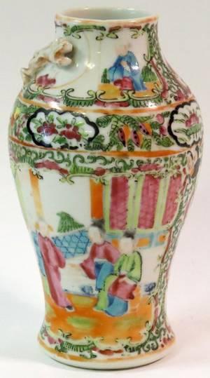 CHINESE MANDARIN ROSE PORCELAIN VASE C1900