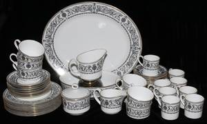 ROYAL WORCESTER PADUA DINNER SET 82 PIECES