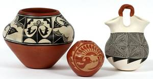 SOUTHWEST AMERICAN INDIAN POTTERY VESSELS THREE