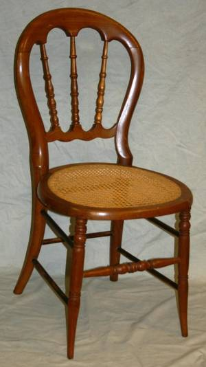 MAPLE SPINDLE BACK SIDE CHAIR C 1900
