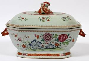 CHINESE EXPORT FAMILLE ROSE TUREEN 18TH C