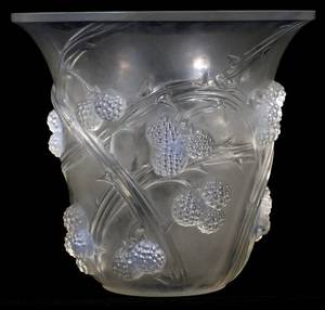 RENE LALIQUE MURES OPALESCENT GLASS VASE C 1930