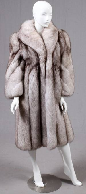 LADYS WHITE FOX FUR FULLLENGTH COAT SIZE 4