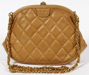 CHANEL TAN QUILTED LEATHER SHOULDER BAG