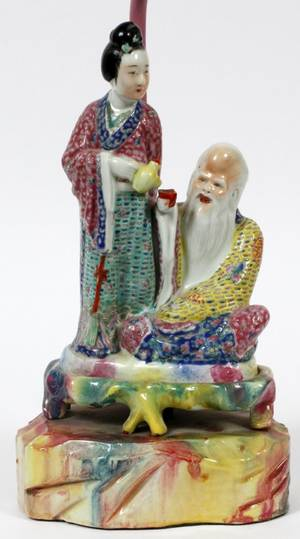 CHINESE PORCELAIN FIGURAL TABLE LAMP C 1940S