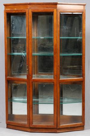 MAHOGANY DISPLAY CABINET MIDLATE 20TH C