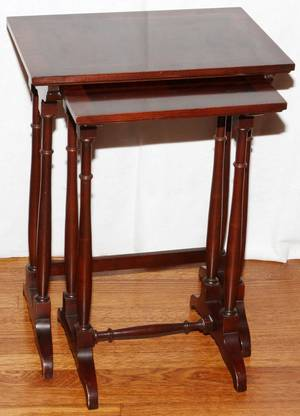 ENGLISH REGENCY STYLE MAHOGANY NEST OF TWO TABLES