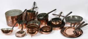 ANTIQUE ENGLISH  OTHER COPPER KITCHEN WARE 24 PCS