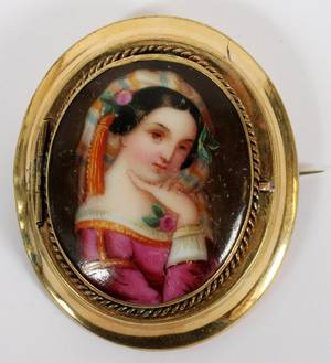 10KT OLD  PAINTED PORCELAIN PORTRAIT LOCKET BROOCH