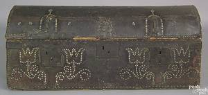 Continental dome lid hide lock box earlymid 18th c