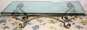 100103 IRON COFFEE TABLE WGLASS TOP H18 L598