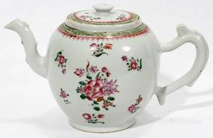 021258 CHINESE EXPORT PORCELAIN TEAPOT C 1800