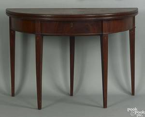 Southern Federal mahogany card table ca 1810