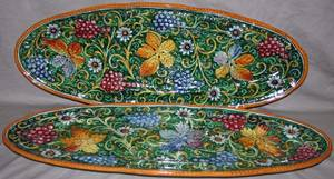 101356 ITALIAN MAJOLICA STYLE POTTERY SERVING TRAYS