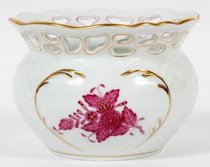 HEREND CHINESE BOUQUET RASPBERRY PORCELAIN POT