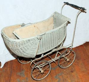 010307 VICTORIAN WICKER BABY BUGGY H 22 L 36