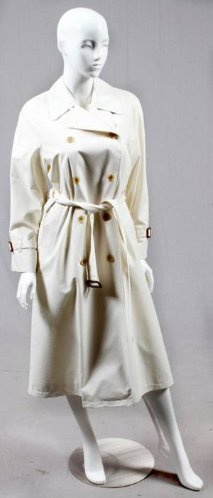 BURBERRY WHITE TRENCH COAT