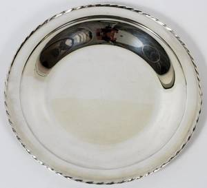 TOWLE STERLING SILVER ROUND TRAY DIA 10