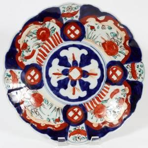JAPANESE IMARI PORCELAIN CHARGER 19TH C