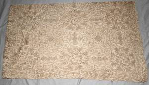 021511 LACE TABLECLOTH 102 X 64
