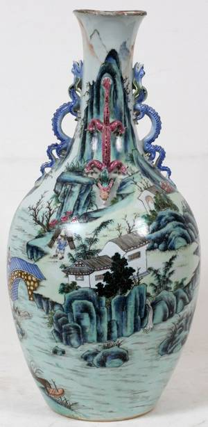 CHINESE PORCELAIN VASE WITH BLUE  PINK DRAGON