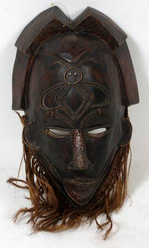 WEST AFRICAN CAMEROON CARVED WOOD TRIBAL MASK