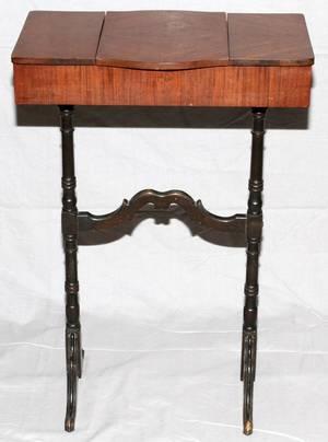 MAHOGANY VANITY TABLE C 1940 H 30 W 20