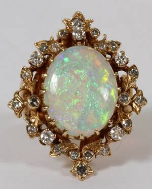 LADYS 14K YELLOW GOLD DIAMOND AND OPAL RING