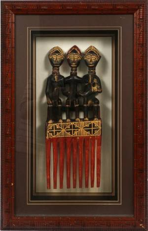 AFRICAN TRIBAL CARVED FIGURAL COMB