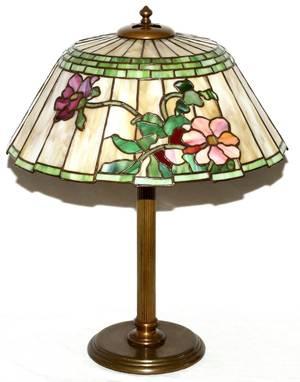 AMERICAN SLAG GLASS TABLE LAMP