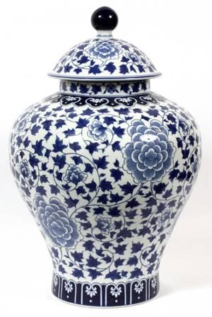 CHINESE STYLE BLUE WHITE PORCELAIN JAR