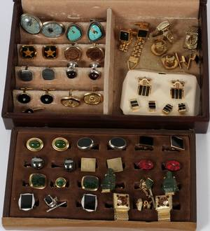 COSTUME CUFFLINK GROUPING APPROX 29 PIECES