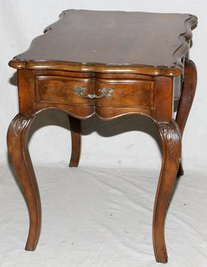 BAKER FURNITURE CO FRENCH STYLE END TABLE
