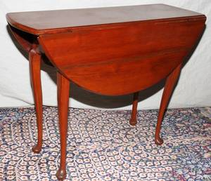 041108 QUEEN ANNE MAHOGANY DROPLEAF TABLE 18TH C