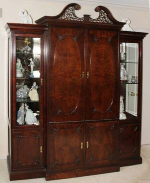 061128 MAHOGANY DISPLAY CABINETENTERTAINMENT CENTER