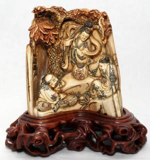 051139 CHINESE IVORY CARVING H 4 12 L 4