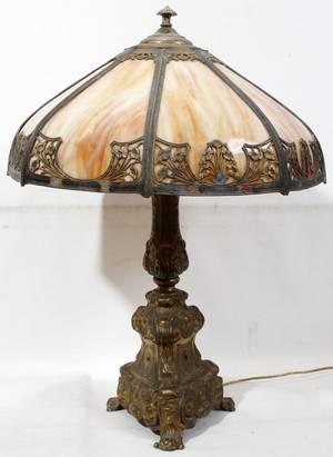 041201 AMERICAN SLAG GLASS TABLE LAMP C 1920