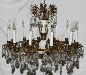 052175 GILT METAL  CRYSTAL TWELVE LIGHT CHANDELIER
