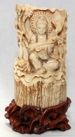 031257 CHINESE CARVED IVORY FIGURE OF QUAN YIN