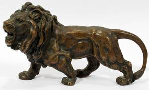 030153 BRONZE LION SCULPTURE H 4 L 8