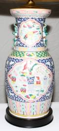 041322 CHINESE PORCELAIN VASE 17 MOUNTED AS A LAMP