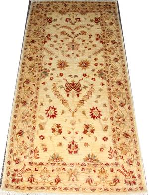 022330 PAKISTANI HAND WOVEN WOOL CARPET 33 X 70