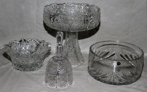 040404 CUT CRYSTAL AND GLASS GROUPING 4 PCS