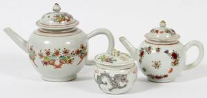 CHINESE EXPORT PORCELAIN TEAPOTS  A JAR
