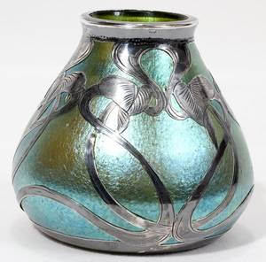 061026 ART NOUVEAU SILVERMOUNTED ART GLASS BUD VASE