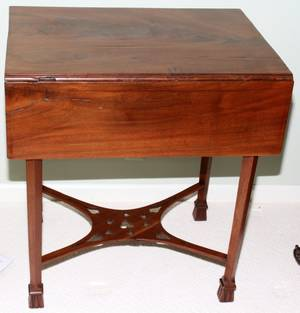 051037 ENGLISH MAHOGANY PEMBROKE TABLE C 17601780
