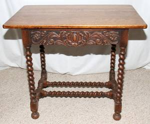 071187 ENGLISH CARVED OAK TABLE EARLY 20TH C H 27