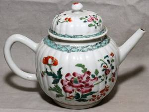 072178 CHINESE EXPORT PORCELAIN TEAPOT C 1780