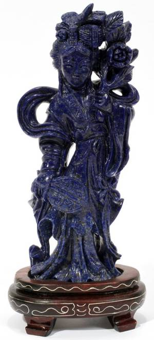 090209 CHINESE CARVED SODALITE STANDING GUAN YIN